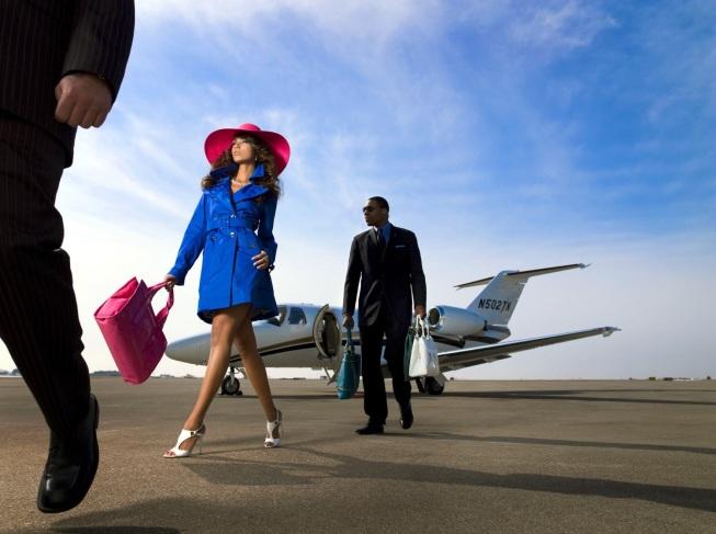 Luxury Couple - Private Jet